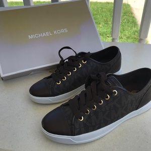 Michael Kors NEW City Sneakers MK Logo Sz 8M Pvc